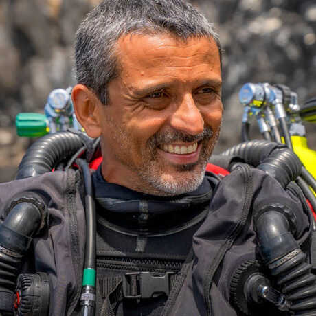 Luiz Rocha wearing rebreather dive gear and smiling